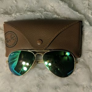 NWOT Ray Bans. Pilot is the Frame. Blue/Green